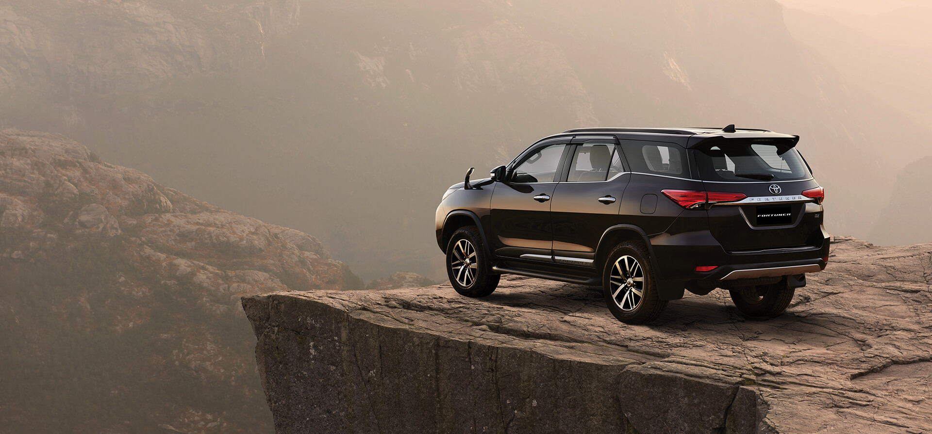 Toyota India | Official Toyota Fortuner site, Fortuner price